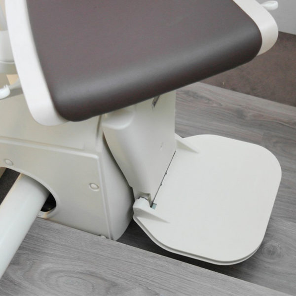 freecurve stair lift large foot rest handicare 600x600
