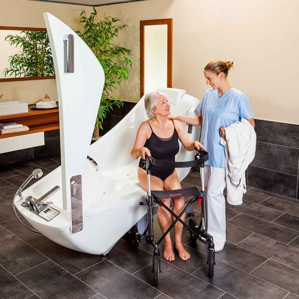 beka averno motion bath tub open door with patient and caregiver 4 600x600